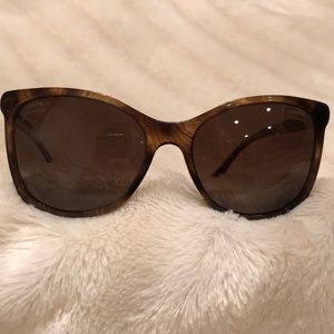 Brown tortoise shell CHANEL sunglasses